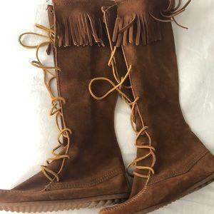 Minnetonka Lace Up Boots
